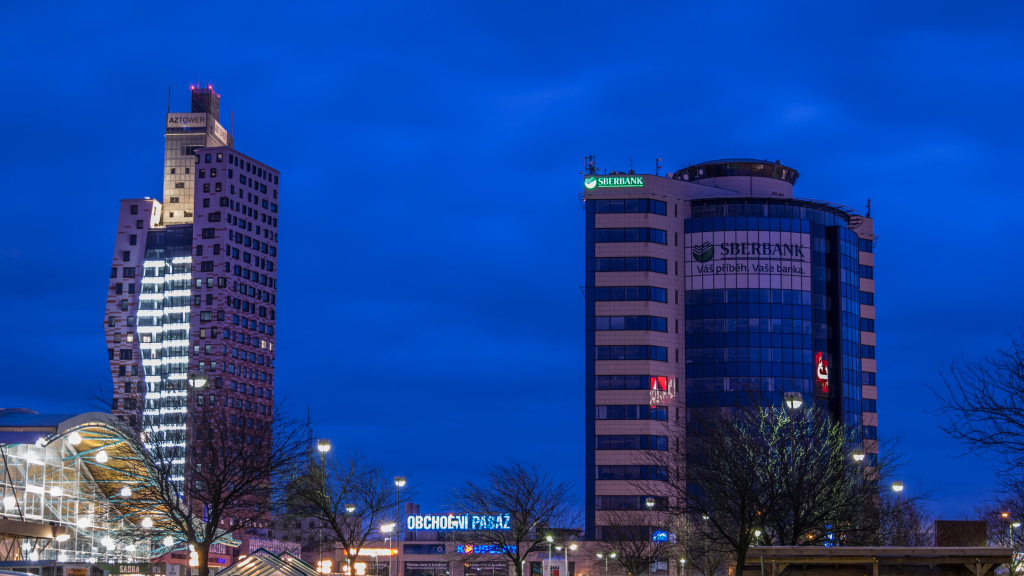 Brněnské mrakodrapy AZ + M-Palác