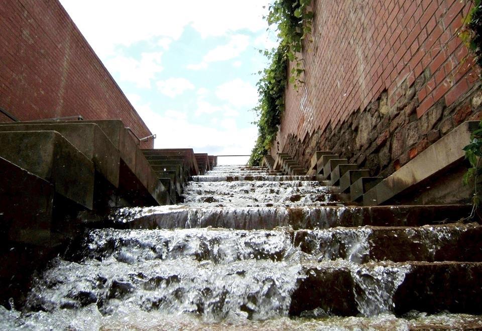 Vodní schody u cesty na Petrov