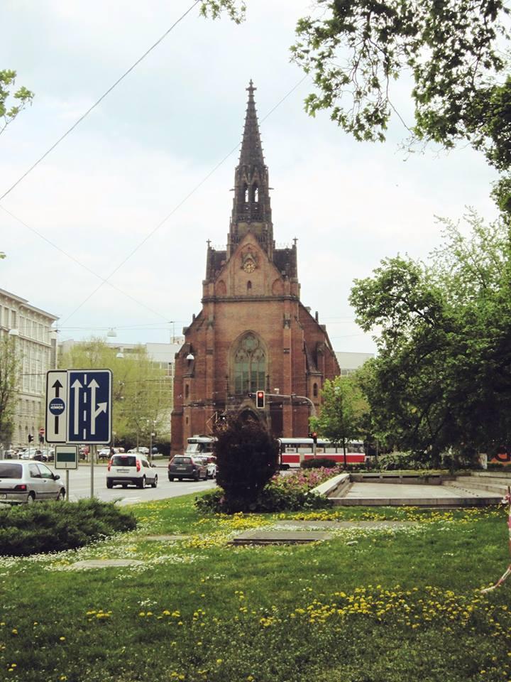 Červený-kostel